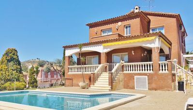 Photo for Holiday home with pool and free wifi for large families in Segur de Calafell, Costa Dorada - CD364