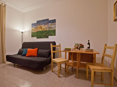 Photo for A cosy and warm one-bedroom apartment for up to four people in the historic Trastevere district of R