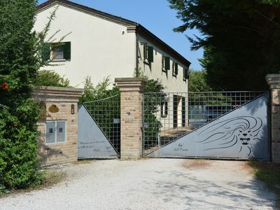 Photo for Refined Country house near Venice with large park and parking.