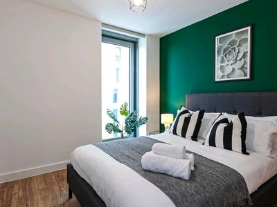 Photo for X1 Media City Luxury One Bed Apartment