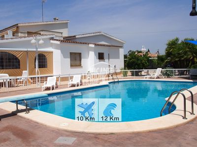 Photo for Villa with pool, barbecue and tennis court.