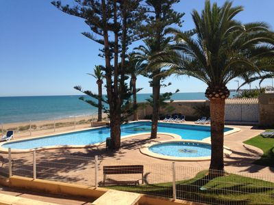 Photo for Superb house 100m² + 70m² terrace. Residence on the beach, sea view, pool.