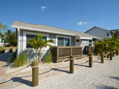 Photo for Sunset Beach_Cozy boutique cottage with all the must have beach amenities