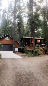 Photo for Cozy cabin- walking distance to Trinity Lake...