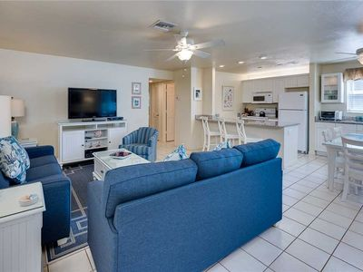 Photo for Unit B4: 2 BR / 2 BA partial gulf view in Sanibel, Sleeps 6