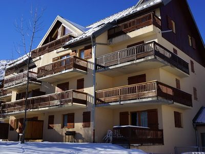 Photo for Beautiful apartment, 50 m from the slopes, for 6 people