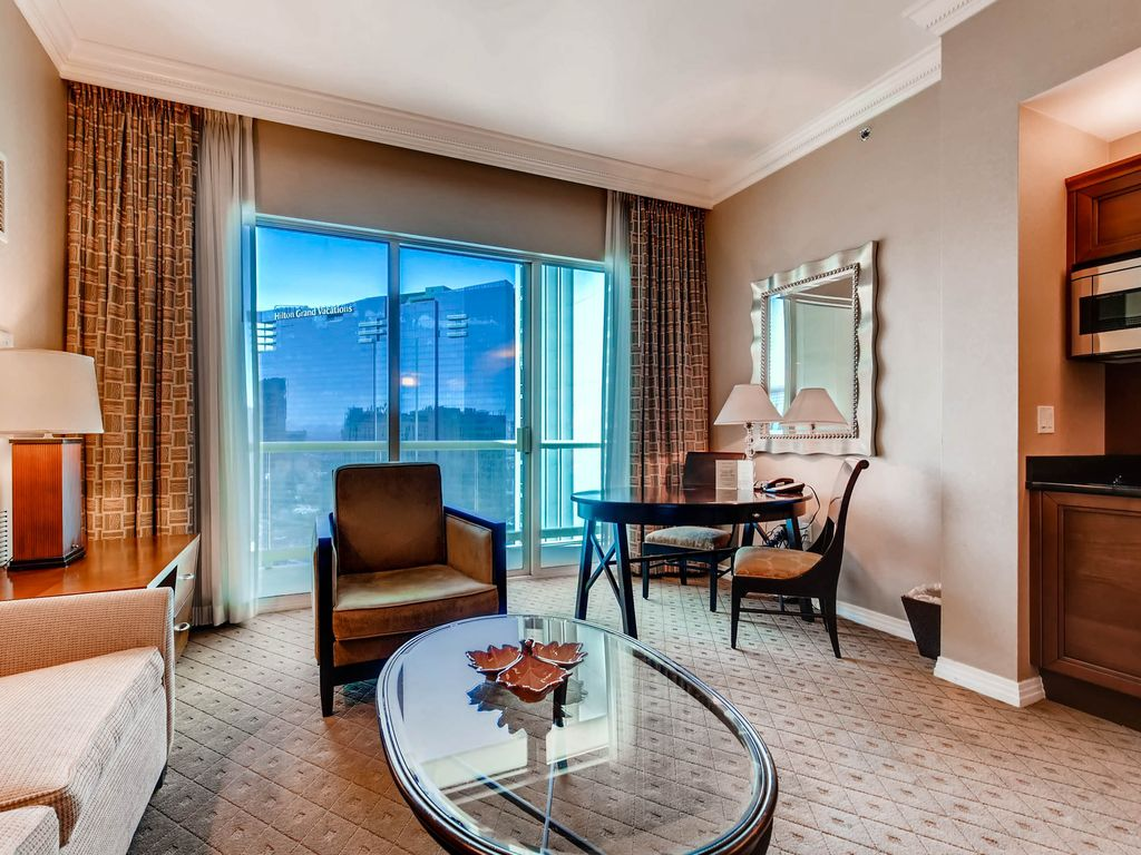 MGM Signature 2BR 2BA Right on Las Vegas Strip w/ View, Balcony ...