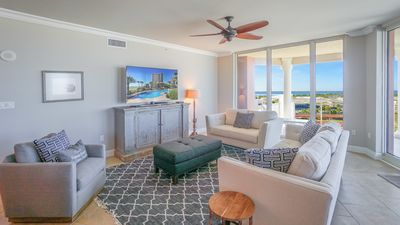 Large Flat Screen TV and plenty of seating to enjoy the view!