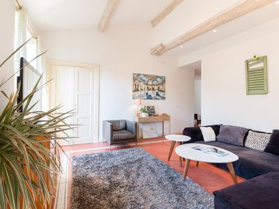 Photo for Large 4 rooms, 3 bedrooms, near Port, Trendy Quarter