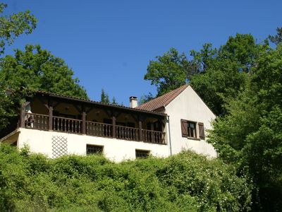 Photo for Lovely rural holiday home with plenty of privacy near Sarlat (10 km)