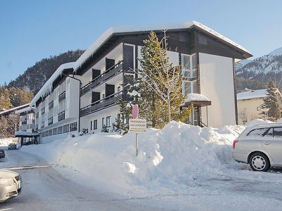 Photo for 2 bedroom Apartment, sleeps 5 with Pool and Walk to Shops