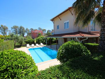 Luxury 4 bedroom detached villa with private pool in Belek