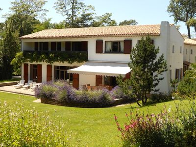 Photo for Large and modern villa for 12 people in Saint-Georges-de-Didonne