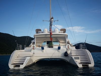 Spacious High Performance Catamaran, Crew included