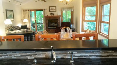 "Photo for Deer Park 2BR Top Flr. End Unit with Air Cond./Wi-Fi/50"" 4K TV Near Beach/Pool"