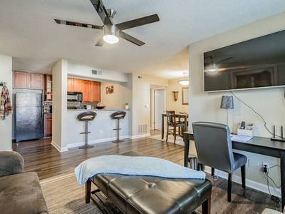 Photo for Clearwater*Tampa*Airport*WiFI*King Bed*Pool*Gym*4K