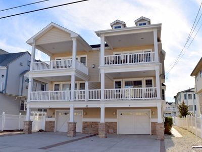 Photo for ONLY SECONDS TO THE BEACH - BEAUTIFUL BEACHBLOCK townhouse