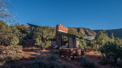 New! View Home with Hot Tub in Quiet Area surrounded by Pines and Red Rocks!