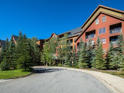 Photo for Large Springs condo just steps from the Gondola and River Run Village