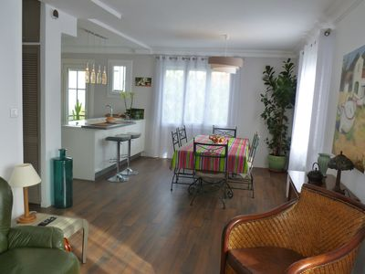 Photo for BRIGHT APARTMENT WITH GARDEN (near trade, transport, park ...)