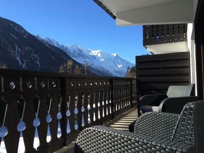 Photo for Light in chalet apartment, beautiful view of Mont Blanc, 200m from the slopes