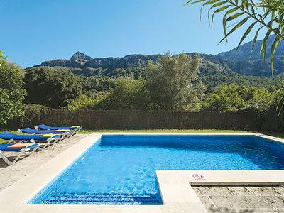 Photo for Tranquil villa close to historic town and beaches, well-equipped with a pool