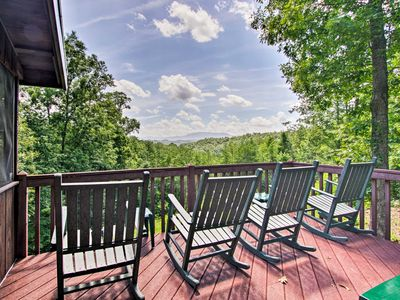 Photo for NEW!! Mountain View, Hot Tub, 2 King beds, WiFi, Safe Roads, Covered Parking