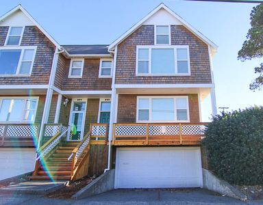 Photo for Close to Downtown Seaside, This Clean, Bright Townhome is a Sweet Retreat!