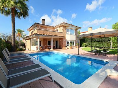 Photo for Beautiful private villa for 9 guests with A/C, private pool, WIFI, TV, balcony and parking