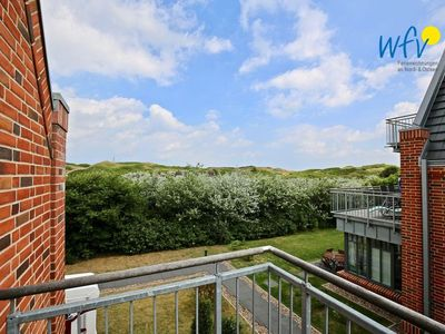 Photo for Family-friendly apartment with south-facing balcony!