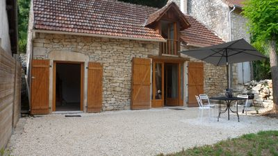 Photo for Independent cottage for 4 to 5 people near Rocamadour and Sarlat