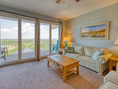 Photo for Resort condo w/ shared hot tub, 5 pools, lake & gulf views! Snowbirds welcome!