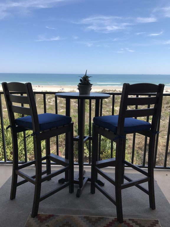 Crescent Beach Oceanfront Design: Beautiful Newly Remodeled Oceanfront Condo