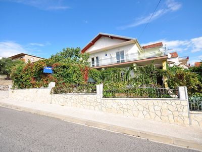 Photo for 1BR Apartment Vacation Rental in Split-Dalmatia County, Op?ina Marina