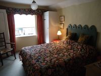 Wonderful quirky apartment in lovely village