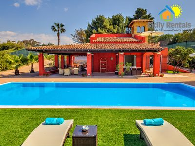 Photo for 4BR Villa Vacation Rental in Ribera