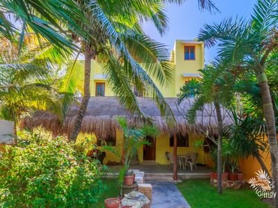 Photo for Casa De Katy -Vacation Home with Tropical Front and Back Yard