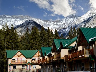 Photo for Beautiful Mountain Escape! Pool, Sauna, Hot Tub, In-Suit Laundry + Full Kitchen!