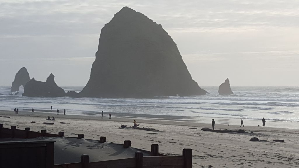 Property Image 1 Spectacular Cannon Beach Ocean Front Home Steps To Haystack Rock And Midtown