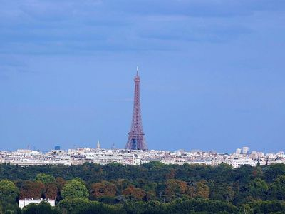 Photo for PARIS BELVEDERE WITH PANORAMIC VIEW ON PARIS AND EIFFEL TOWER