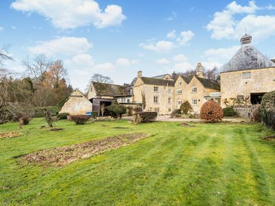 Photo for Spacious Cotswold Brewery Home in Gloucestershire