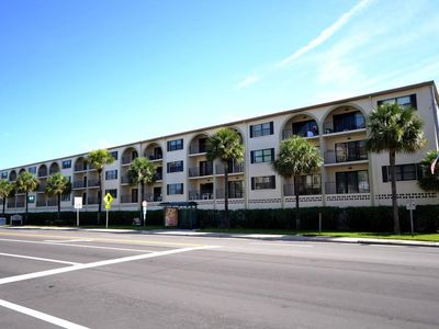Photo for 1 Bedroom 1 Bath Madeira Place 303 Close to John's Pass Large One Bedroom *NEW**