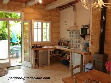 Charming house in medieval village near river Dordogne , from 345€ to 720E/ week