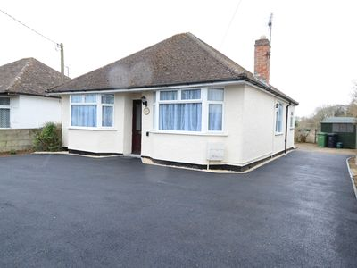 Photo for Spacious bungalow in village location