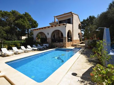 Photo for Nice house on large plot with pool for 6 people, 1 minute to the beach