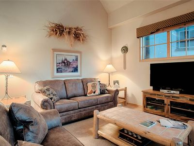 Photo for Awesome Breckenridge location, Outdoor hot tubs, Amazing views, King bed, Fantastic amenities!