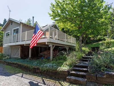 Photo for Cozy, Downtown home, amazing deck with a short walk to the heart of Hood River!