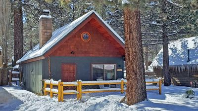 Photo for Close to snow play, mountain cabin perfect for small families. WiFi, Dogs, BBQ