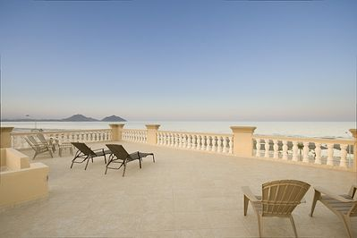 360 degree views from the roof -- Sea of Cortez, mountains and the town.