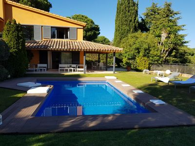 Photo for Magic house with pool in garden, 30 km from Barcelona, 15 min walk to the beach